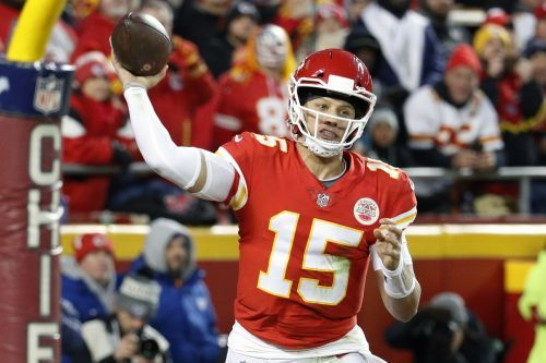 Patrick Mahomes, Travis Kelce, Tyreek Hill, Mitchell Schwartz named to 2018 AP All-Pro Team