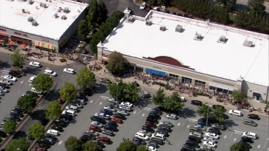 Thousands line up at Louisville Build-A-Bear for 'Pay Your Age Day' promotion