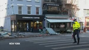 Car hits outdoor dining structure in NYC, 7 hurt