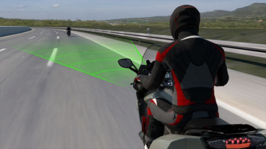 BMW Is Bringing Adaptive Cruise Control To Motorcycles