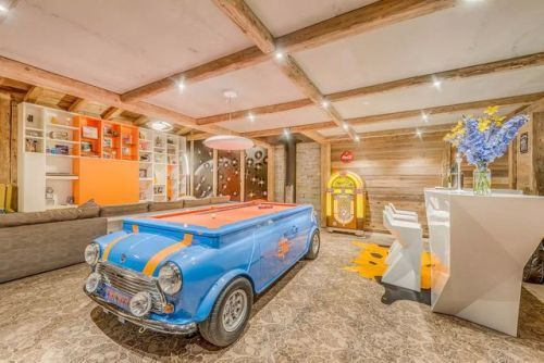 Rock n' Love ChaletDecorated with Route 66 memorabilia