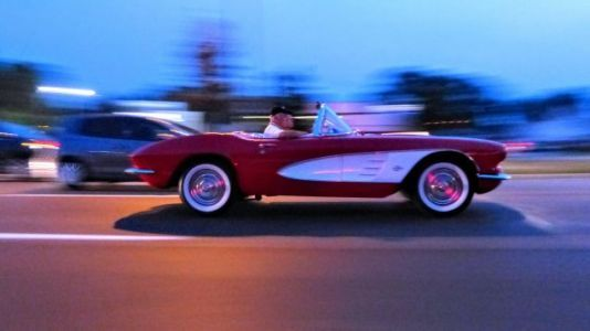 The Beautiful Cars I Saw on Detroit's Woodward Avenue in Just 30 Minutes on a Tuesday