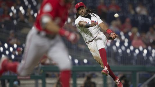 Phillies' Maikel Franco leaves game after tumbling over railing