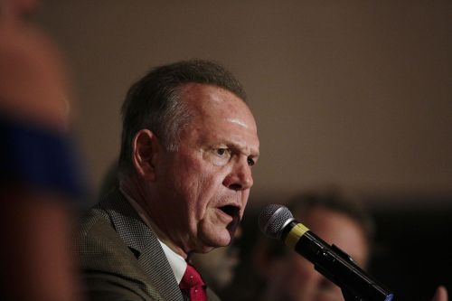 2 more women accuse Roy Moore of unwanted advances, reports Washington Post