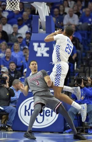 No. 2 Kentucky rallies past Southern Illinois for 71-59 win