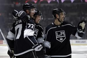 Kopitar, Walker lead Kings to 3-1 win over Wild