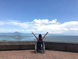 Disabled Korean traveler enthuses tourists like her through her travelogue