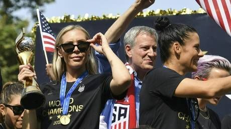 Lost key: U.S. soccer star Allie Long robbed during World Cup victory celebrations