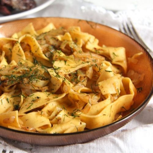 Cabbage Noodles with Sour Cream