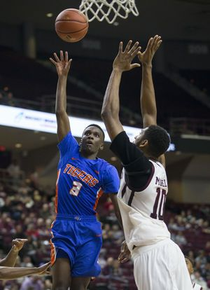 No. 9 Texas A&M coasts past Savannah State 113-66