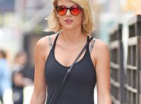 The Internet Thinks Taylor Swift Is Being Transported in a Suitcase
