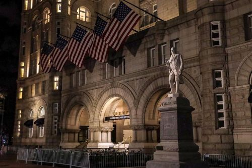 Trump poised to run out political clock on emoluments suits