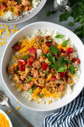 Unstuffed Pepper Bowls {Made with Ground Turkey and Cauliflower Rice}