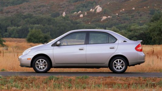 """The First-Generation Toyota Prius Deserves To Be """"Reimagined"""""""