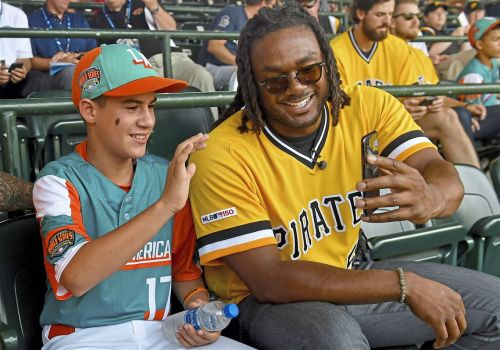 MLB Little League Classic brings out the kid in everyone