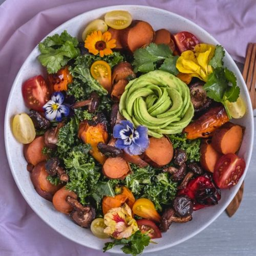 Kale salad with roasted veggies