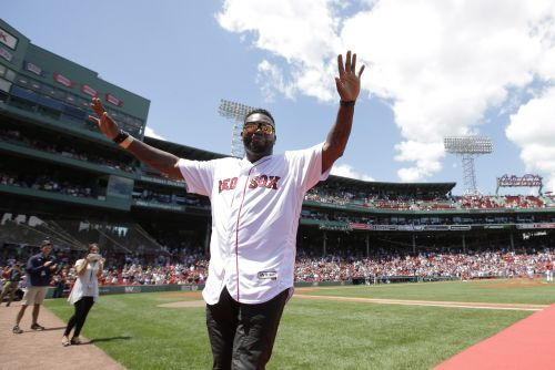David Ortiz agrees to long-term deal with Boston Red Sox