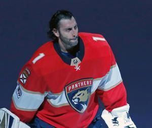 'Such a pro': At 39, Roberto Luongo still chasing the Cup