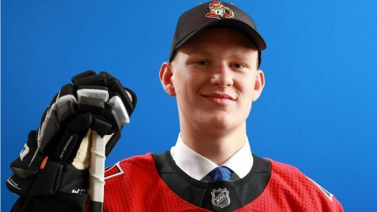 Senators top pick Brady Tkachuk out a month with torn ligament in leg