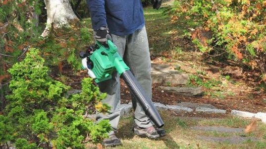You'll Put This Discounted Leaf Blower To Good Use, All Year Round