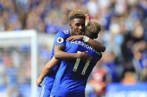 Vardy sent off but Leicester beats Wolves 2-0 in EPL