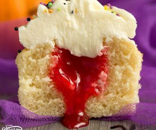 How to Make Easy 'Bloody' Surprise Halloween Cupcakes