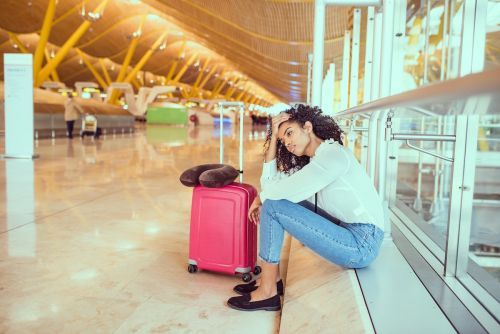 A seasoned traveler shares 6 things she never does at the airport