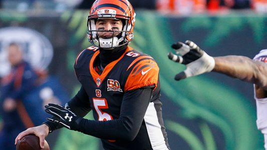 AJ McCarron signs deal with Buffalo Bills