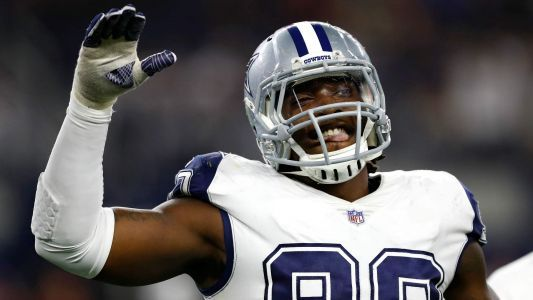 Cowboys DE DeMarcus Lawrence has played last 2 years with torn labrum