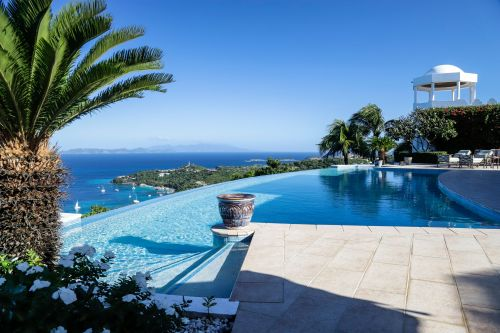 Mustique Mystique: The Exclusive Caribbean Island with Royal Roots