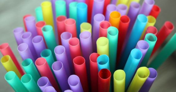 Bartenders: The Impact of Plastic Straws Isn't Really the Point