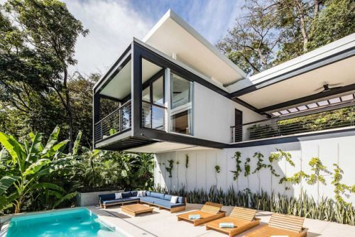 Casa Bri Bri, Costa Rica: Breezy Tropical Living with a Designer