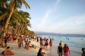 Boracay Island welcomes 619,934 tourists from Jan 1 to April 15 this year