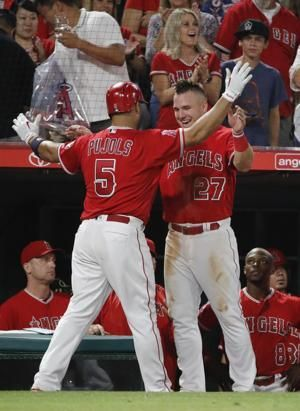 Angels' Pujols has injection in knee, goes on DL