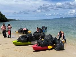 Banyan Tree Krabi marks Earth Day with the clean-up of pristine beaches