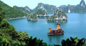 Vietnam's tourism boom makes airlines to buy more jet fuel