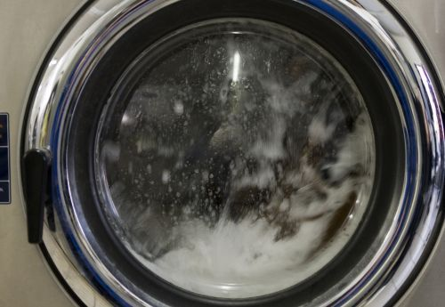 Mom's viral warning: 3-year-old became trapped in washing machine as it filled with water