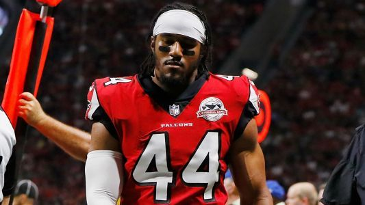 Falcons' Vic Beasley to miss at least a month with hamstring injury, report says