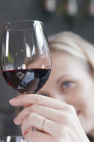 What drinking alcohol means for your cancer, death risk
