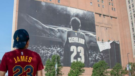 As LeBron jilts Cleveland, NBA is reminded of NFL's superior free agency system
