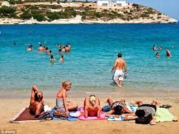 Greece can attract upscale tourists to earn more from tourism