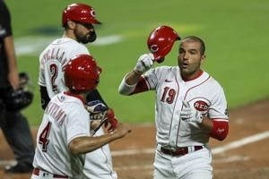 Votto homer lifts Reds to 3-2 win over Indians
