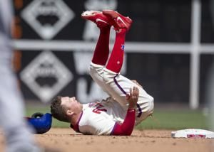 Altherr's RBI hit gives Phils 3-2 win and sweep over Pirates