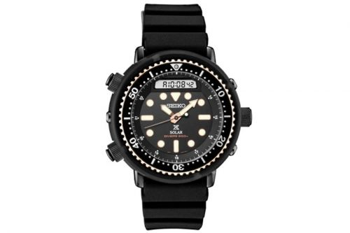 Seiko Turns Back the Clock Re-Creating 1982 Hybrid Diver's Watch