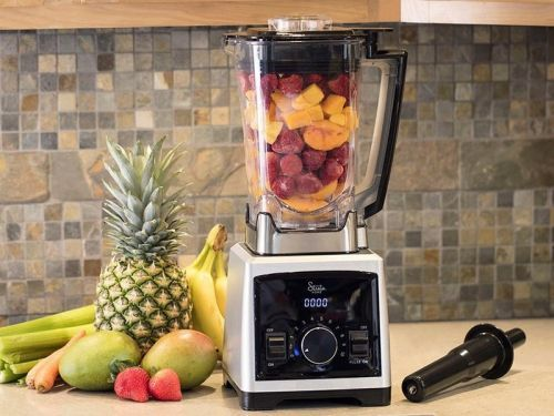 I made delicious smoothies, salsas, and many more recipes in minutes by using this powerful, under-$75 blender