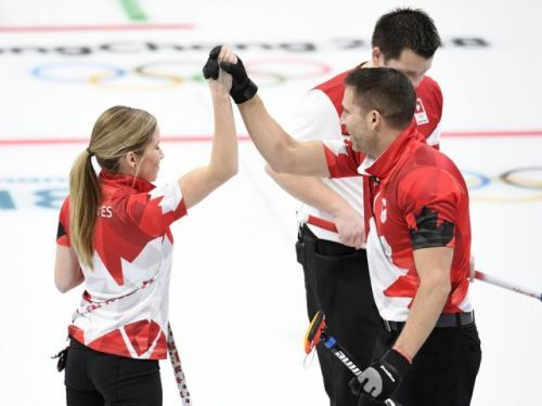 Canada's Kaitlyn Lawes, John Morris win gold in mixed doubles curling