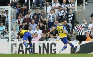 Newcastle beats Southampton, virtually sure of EPL survival