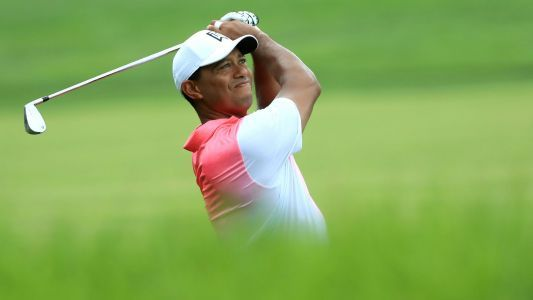 Tour Championship: Tiger Woods cruises to Round 3 lead