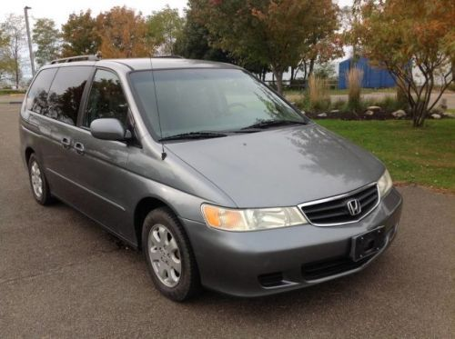 At $6,000, Would Buying This Stick Shift 2002 Honda Odyssey Be a Total Trip?