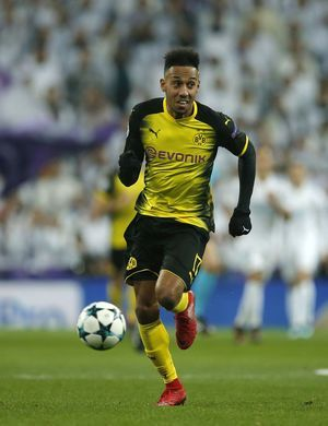 The Latest: Aubameyang makes the move to Arsenal